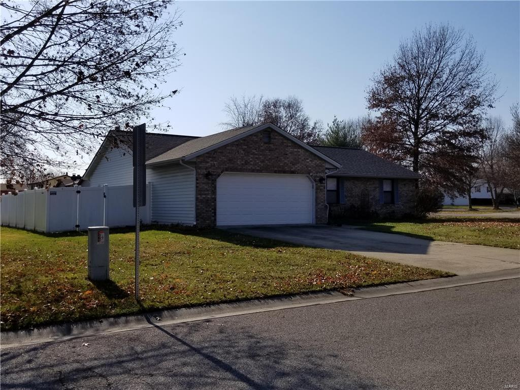 300 Kim Drive, Fairview Heights, IL - USA (photo 4)